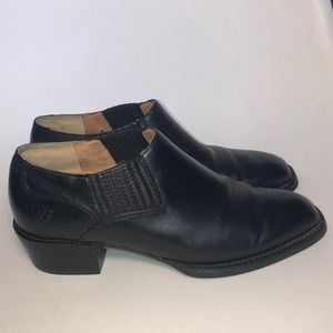 Women Ariat black slip on booties size 5.5 EUC